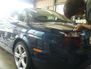 手洗い洗車後、塗装の状態をチェック